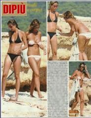 Cristina e Benedetta Parodi Confronto in Bikini a Formentera - FOTO