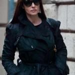 """Monica Bellucci, passeggiata in incognito a Milano: """"Con Cassel è I love you"""""""