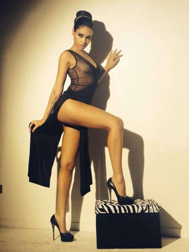 Ainette Stephens Calendario.Irene Berzero Bellezza Latina Per Il Calendario Super Sexy