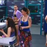 Grande Fratello 13, tra Armando e Chicca il flirt passa dalla doccia al pennello